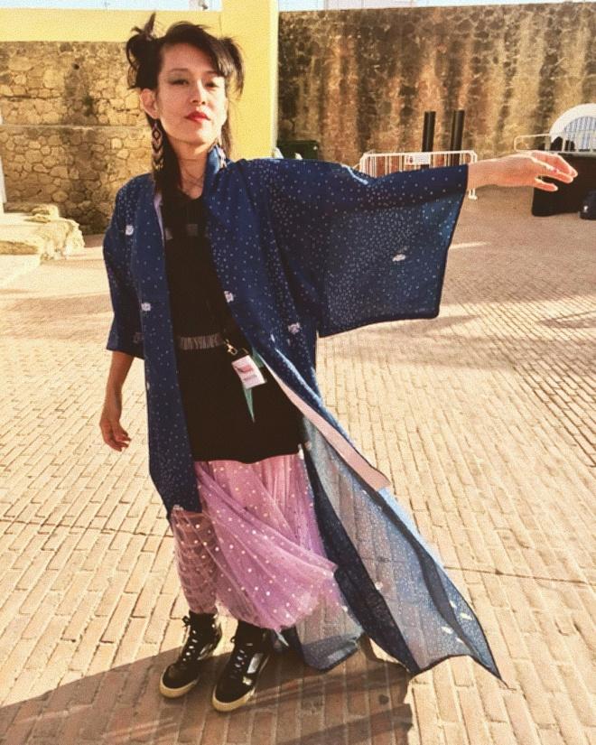 Hitomi Blue Kimono.jpg